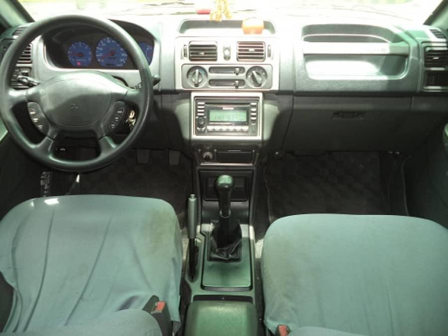 2009 Mitsubishi Adventure - Interior Front View