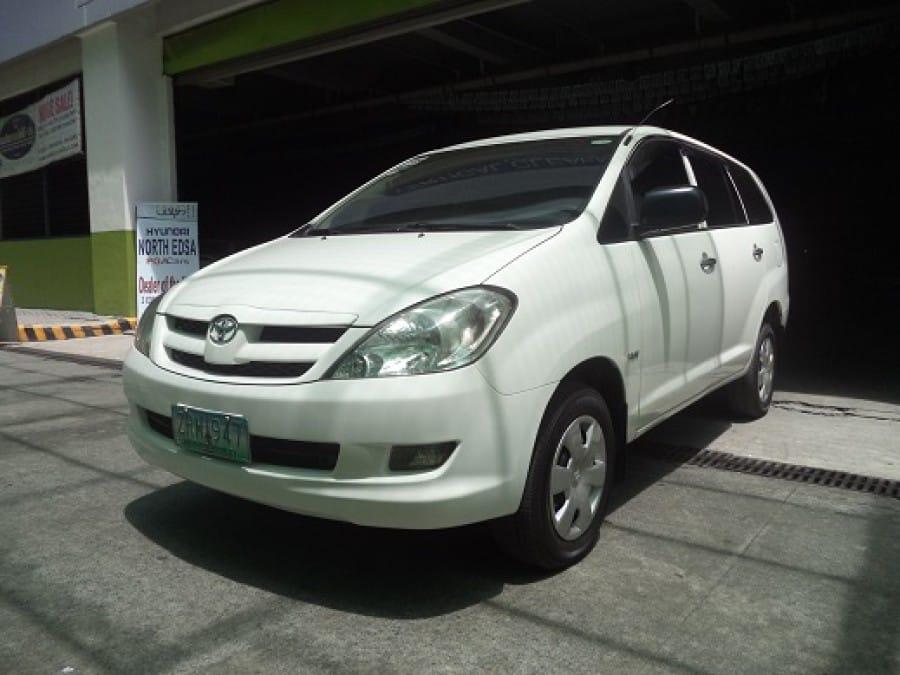 2008 Toyota Innova J - Front View