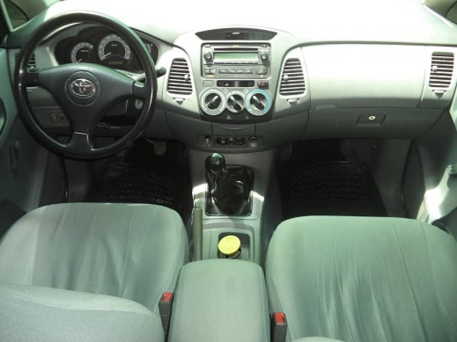 2008 Toyota Innova J - Interior Front View