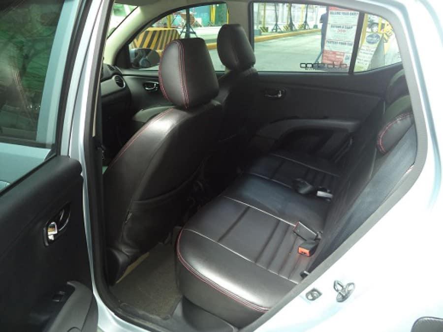 2011 Hyundai Excel - Interior Rear View