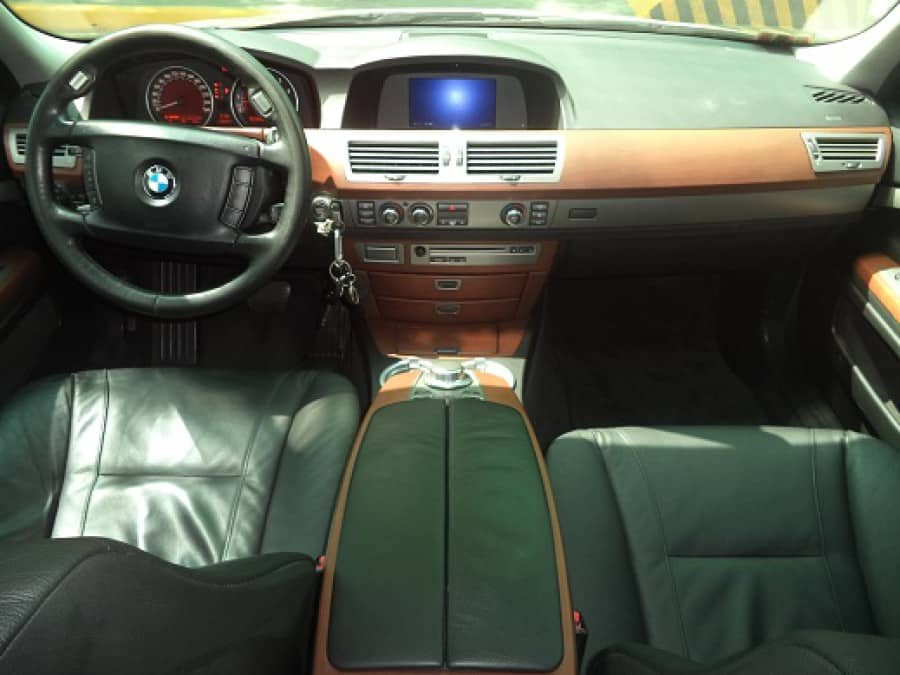 2008 BMW 7 Series - Interior Front View