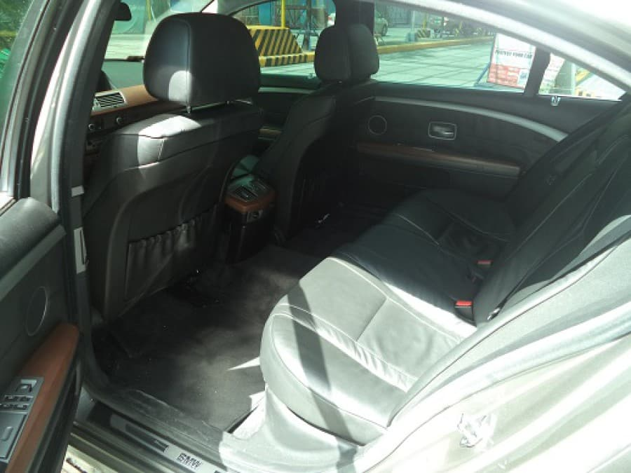2008 BMW 7 Series - Interior Rear View
