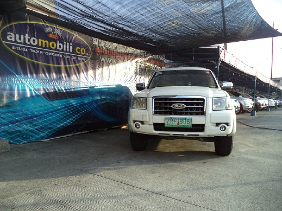 2008 Ford Everest - Front View