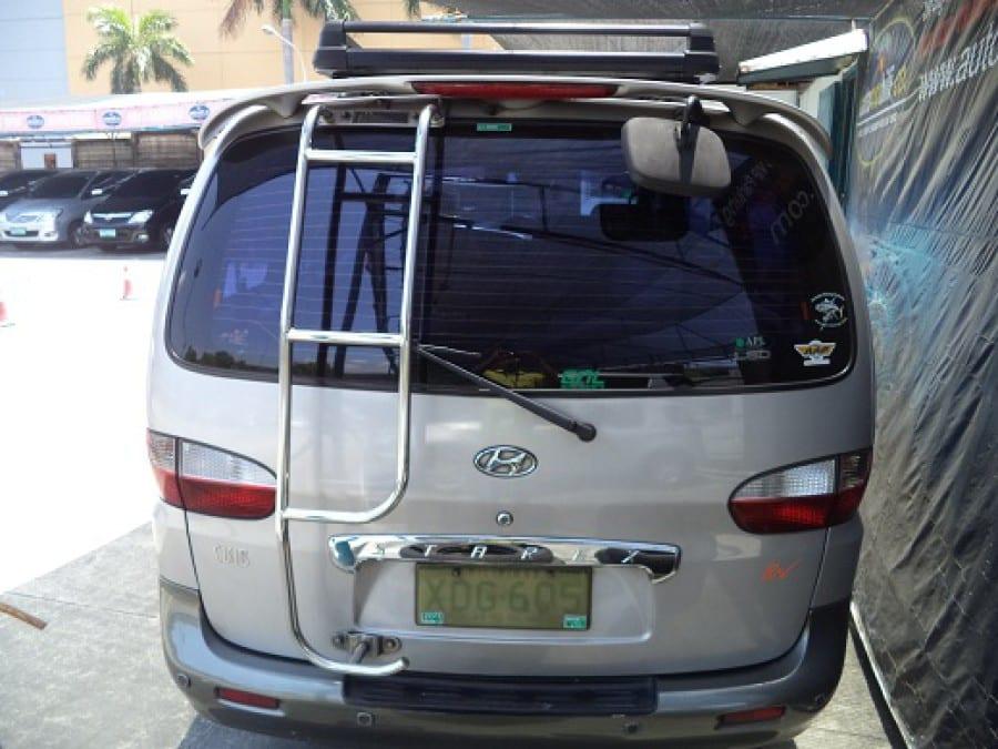 2002 Hyundai Starex - Rear View