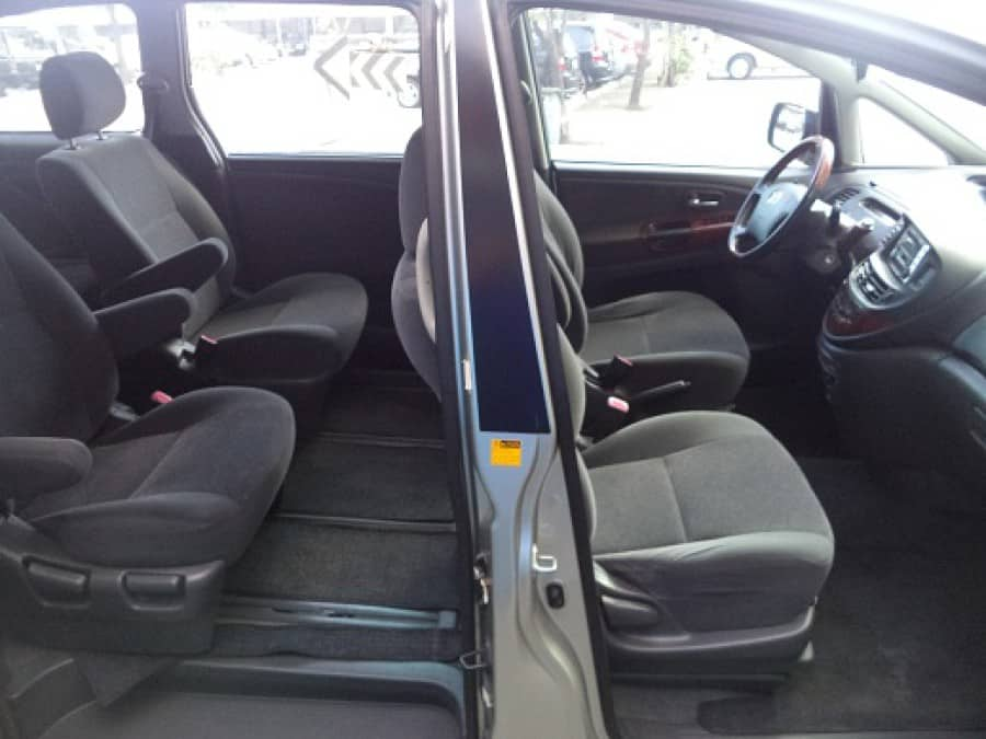 2004 Toyota Previa - Interior Rear View