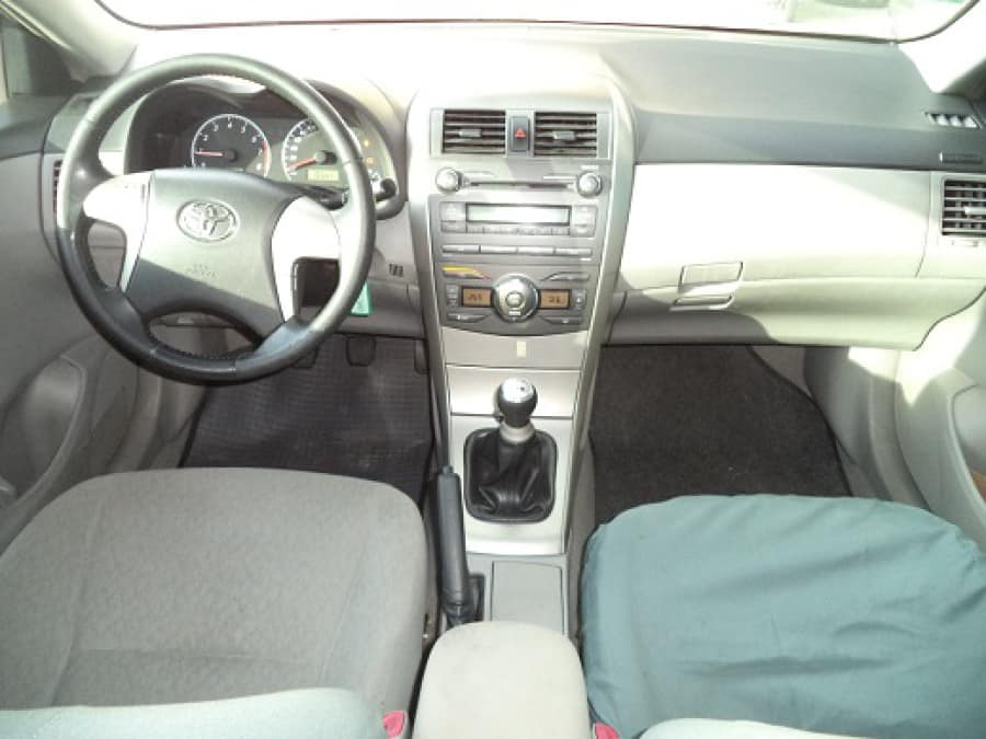 2010 Toyota Altis - Interior Front View