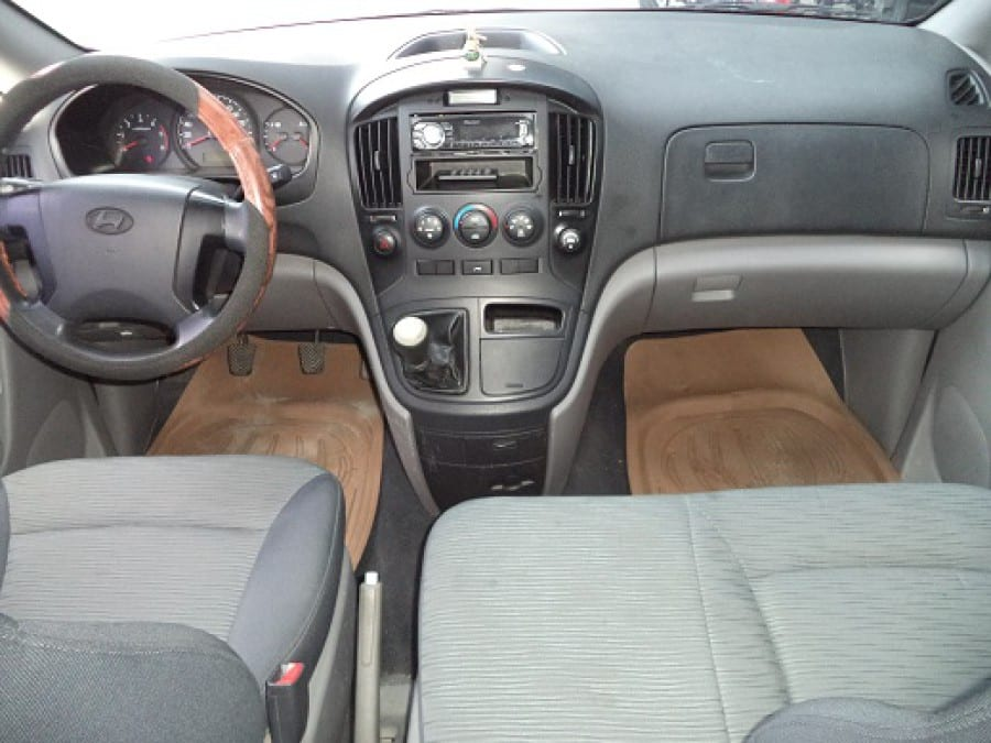 2008 Hyundai Starex - Interior Front View
