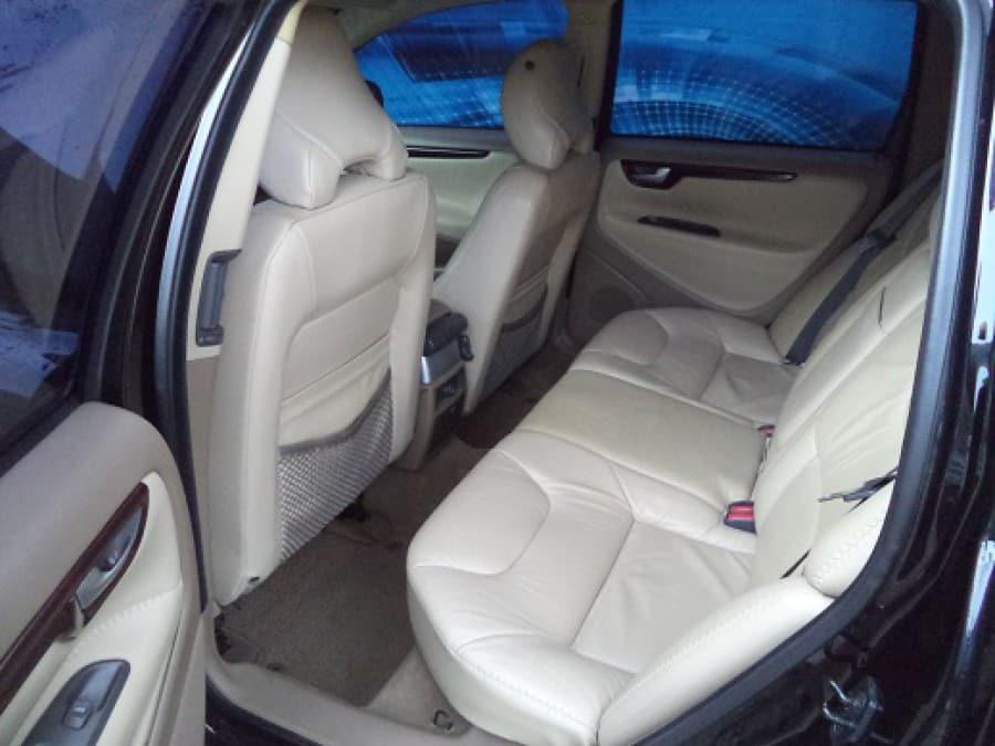2002 Volvo XC70 - Interior Rear View