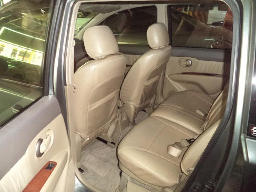 2010 Nissan Interstar - Interior Rear View