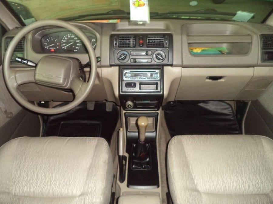 2007 Mitsubishi Adventure - Interior Front View