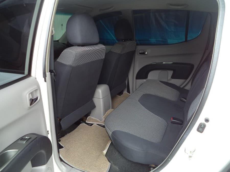 2007 Mitsubishi Strada - Interior Rear View