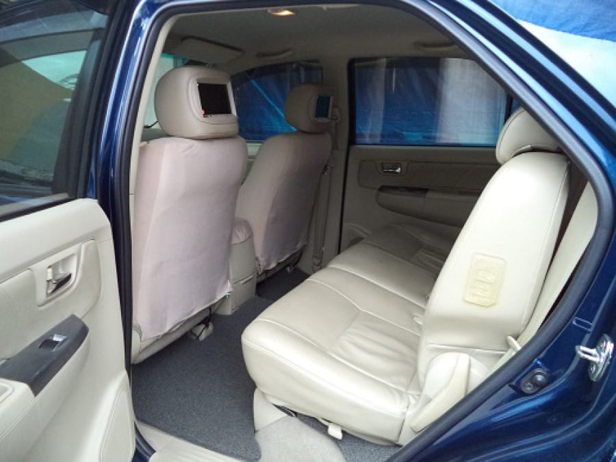 2007 Toyota Fortuner - Interior Rear View