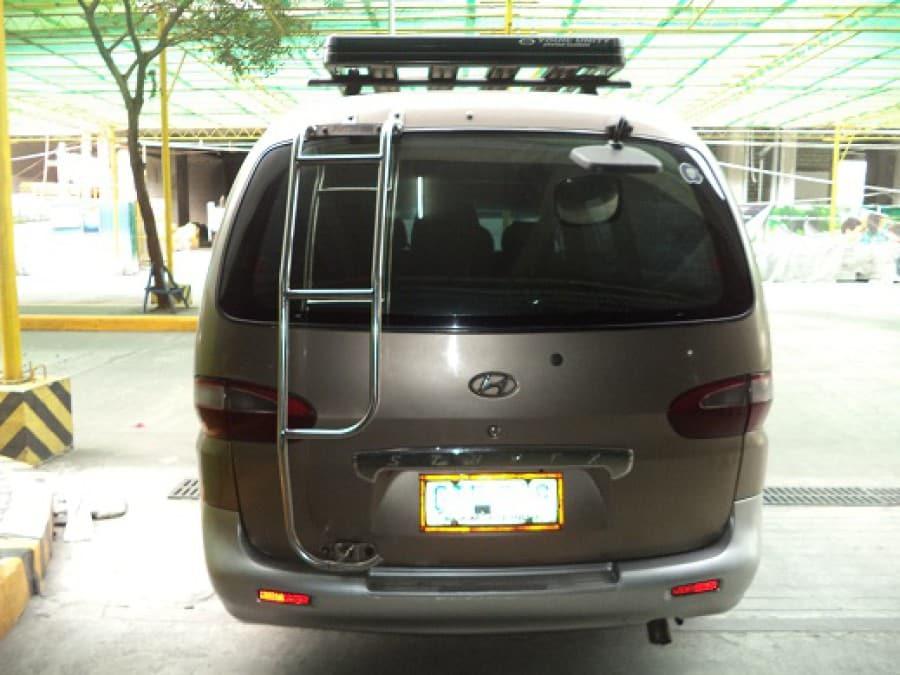 2004 Hyundai Starex - Rear View