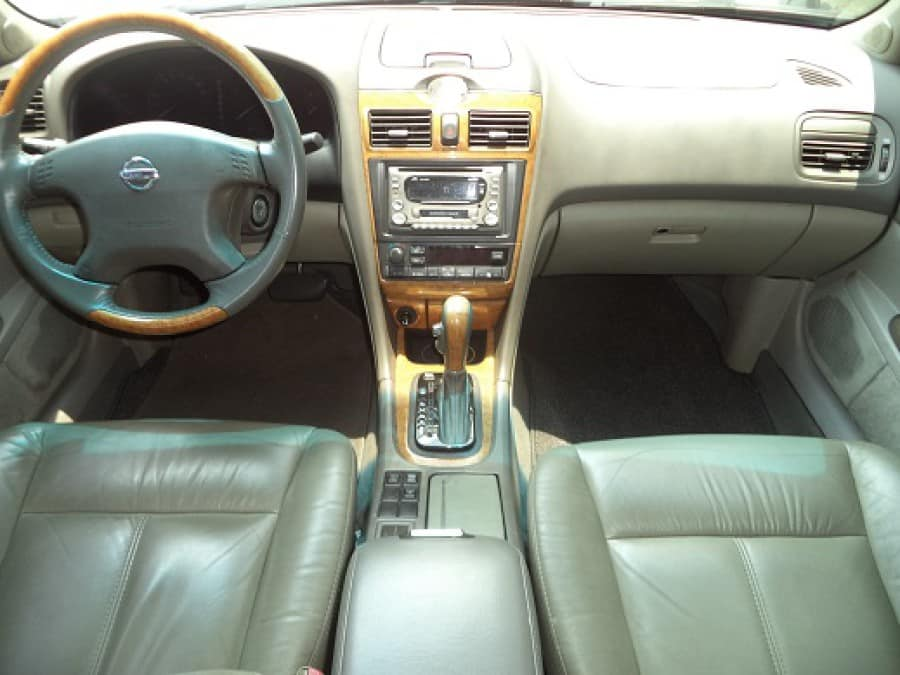 2005 Nissan Cefiro Classic - Interior Front View