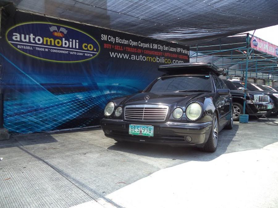 1998 Mercedes-Benz E-Class - Front View