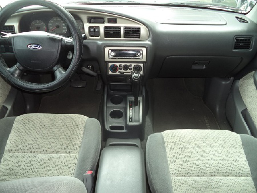 2004 Ford Everest - Interior Front View