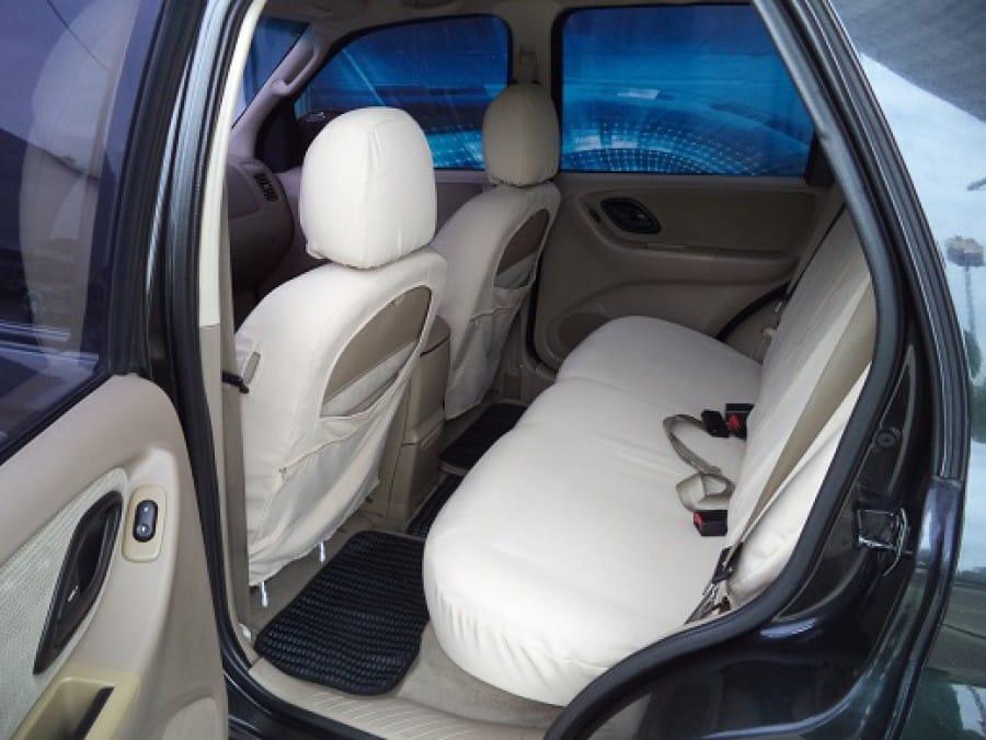 2005 Ford Escape - Interior Rear View