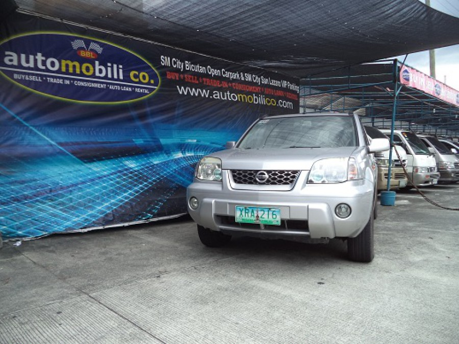 2004 Nissan X-Trail - Front View