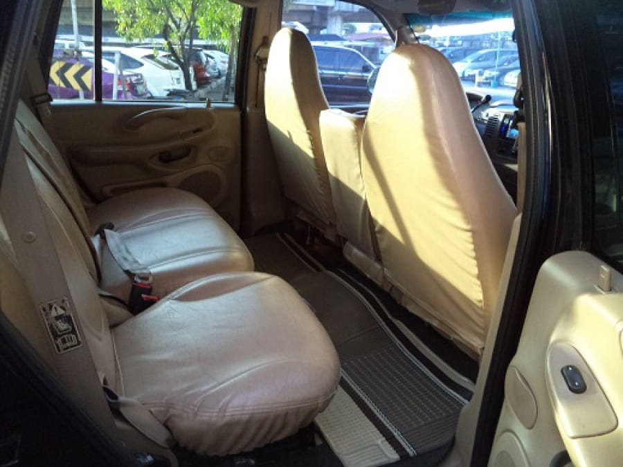 2000 Ford Expedition - Interior Rear View