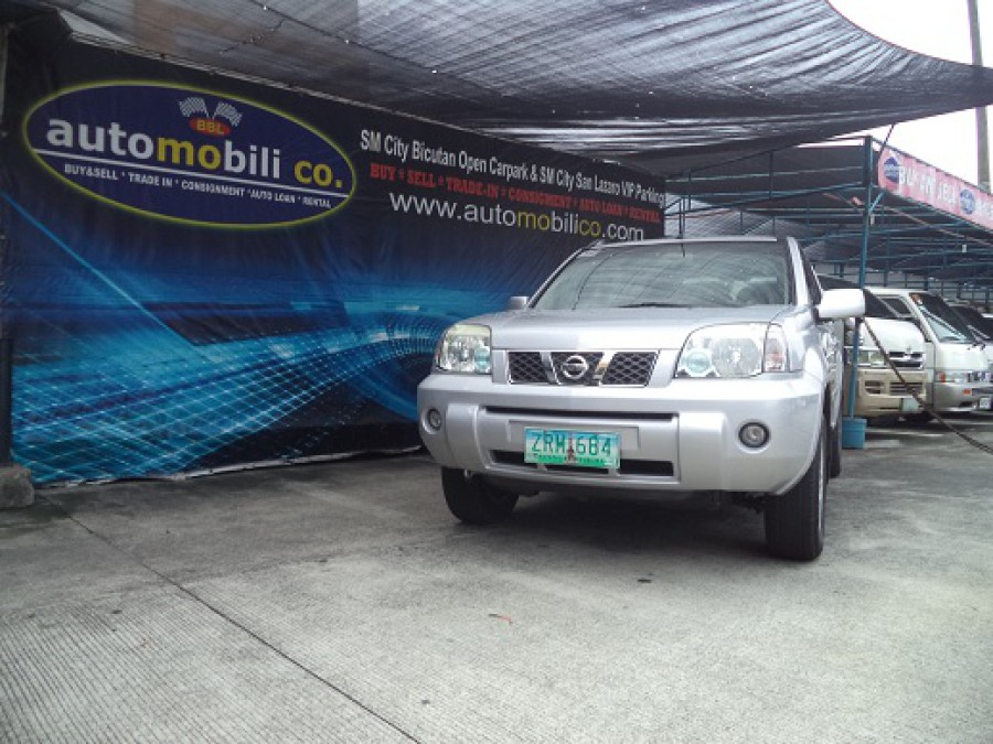 2008 Nissan X-Trail - Front View