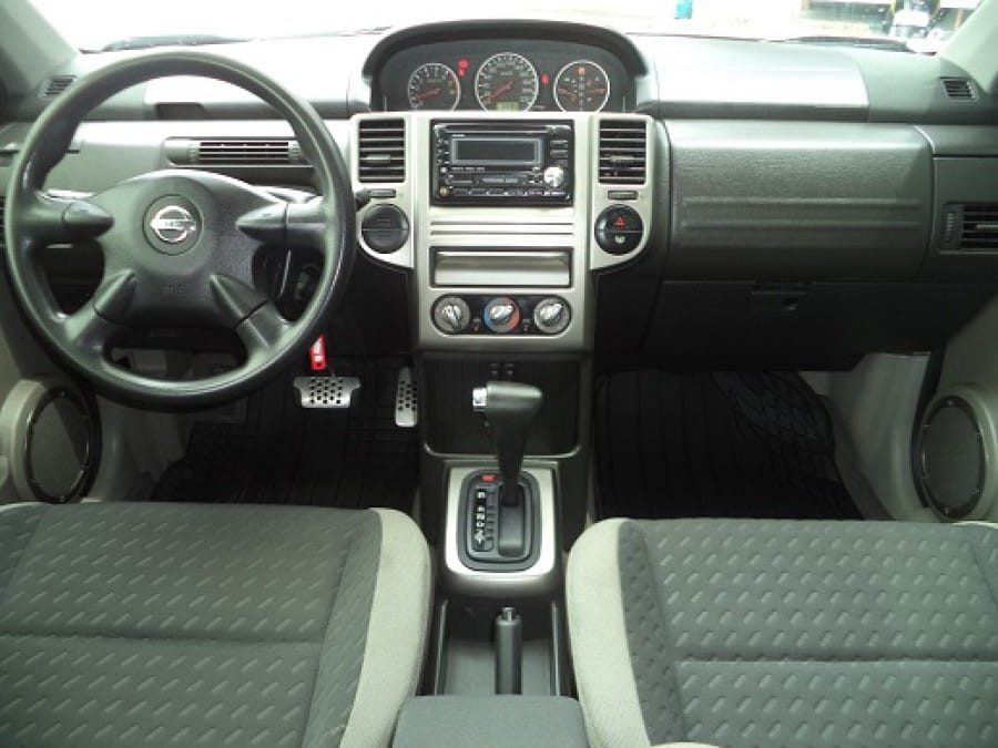 2008 Nissan X-Trail - Interior Front View