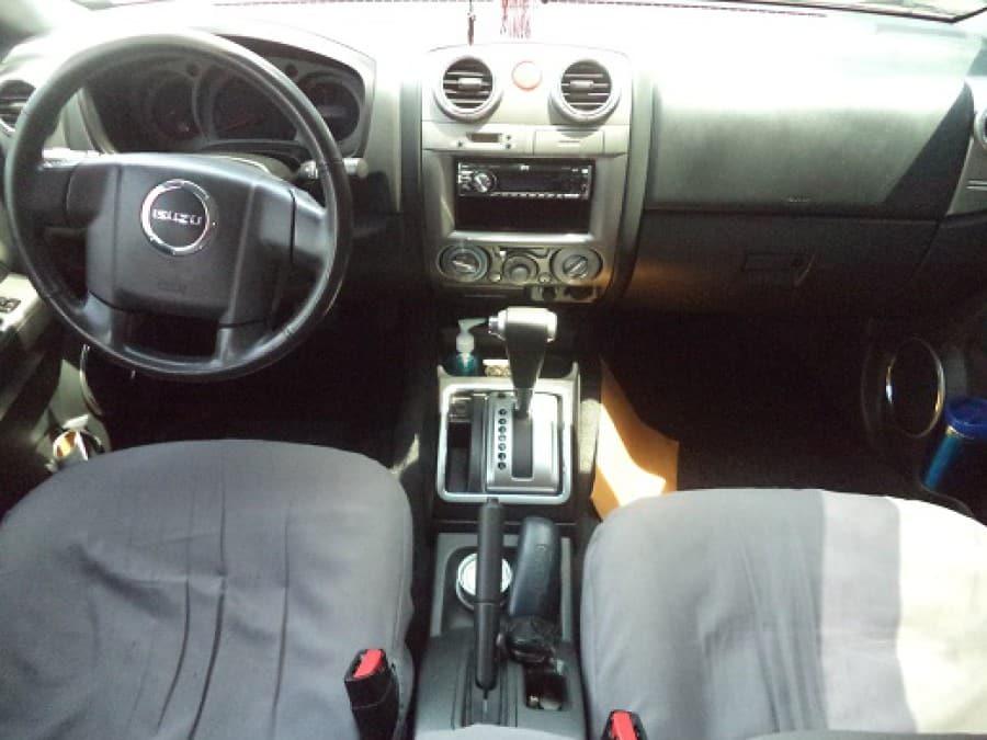 2010 Isuzu D-Max - Interior Front View