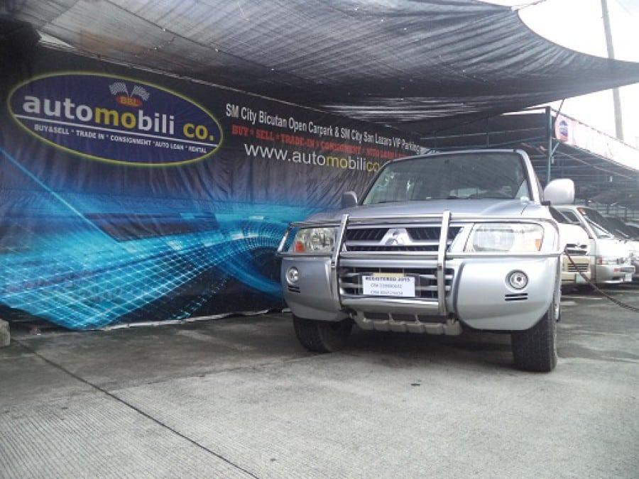 2007 Mitsubishi Pajero - Front View