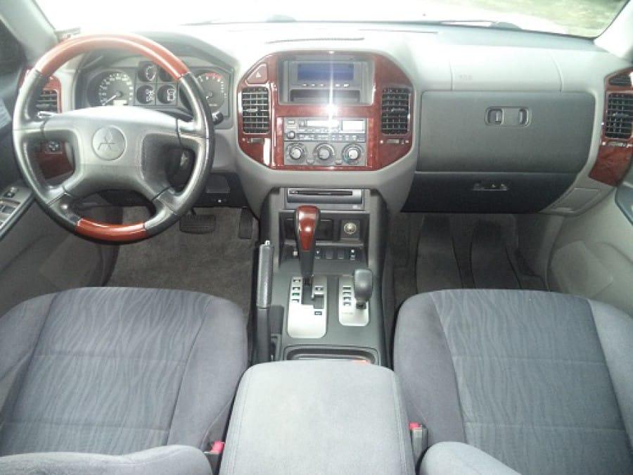 2007 Mitsubishi Pajero - Interior Front View