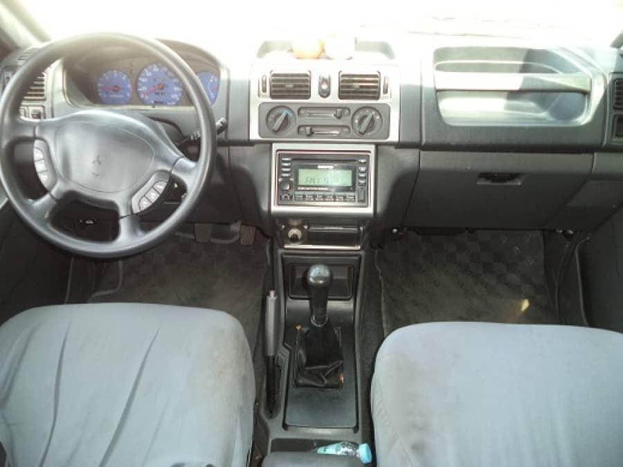 2008 Mitsubishi Adventure - Interior Front View