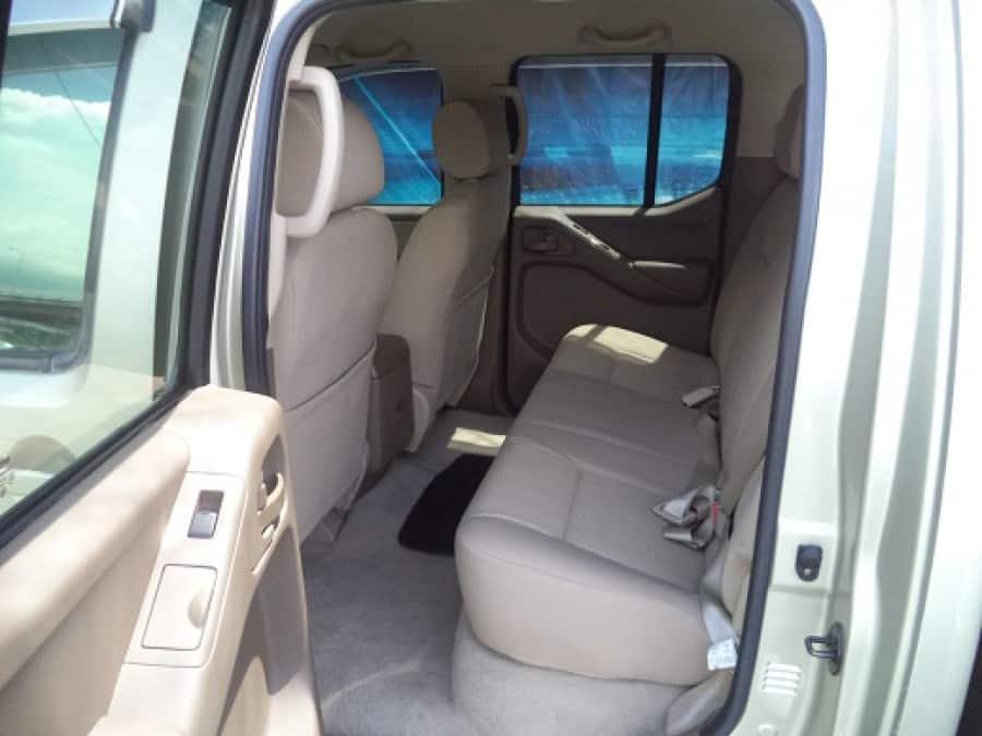 2009 Nissan Navara - Interior Rear View
