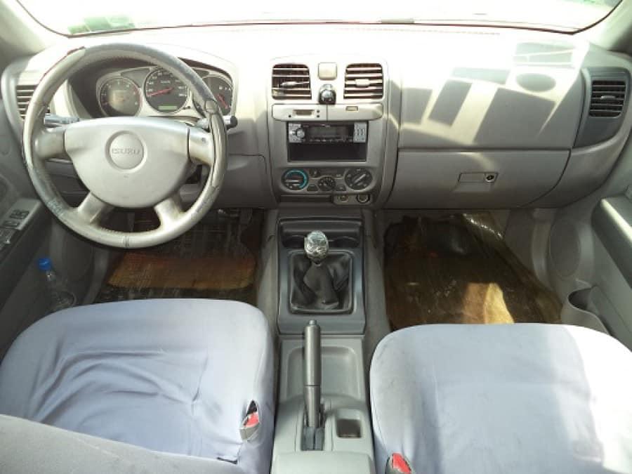 2005 Isuzu D-Max - Interior Front View