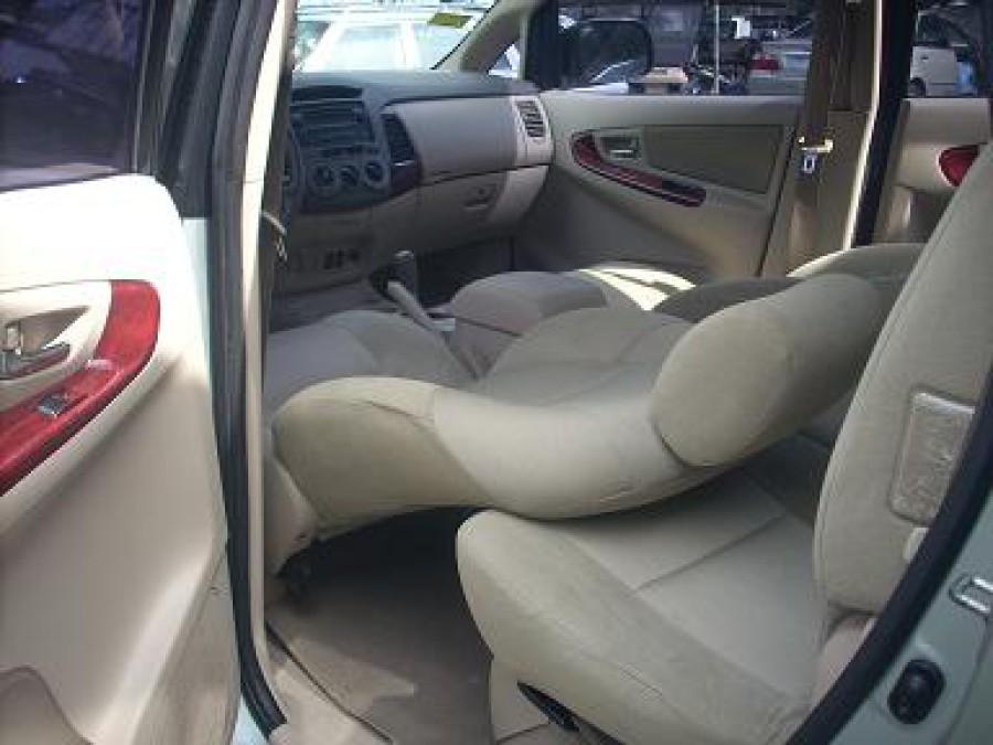 2006 Toyota Innova G - Interior Rear View