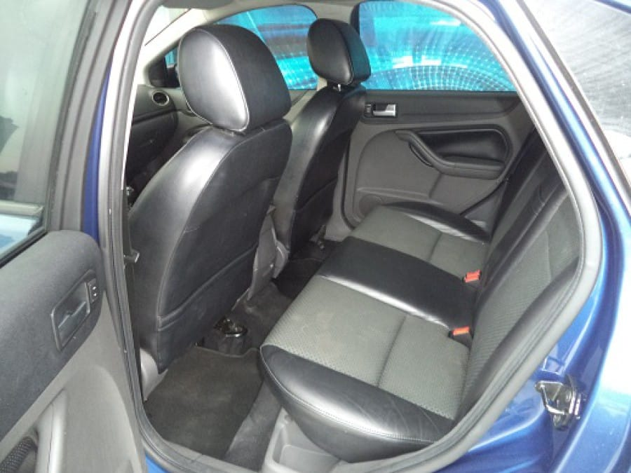 2007 Ford Focus - Interior Rear View