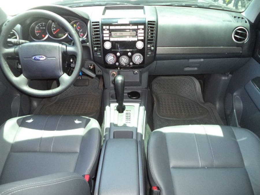 2014 Ford Everest - Interior Front View