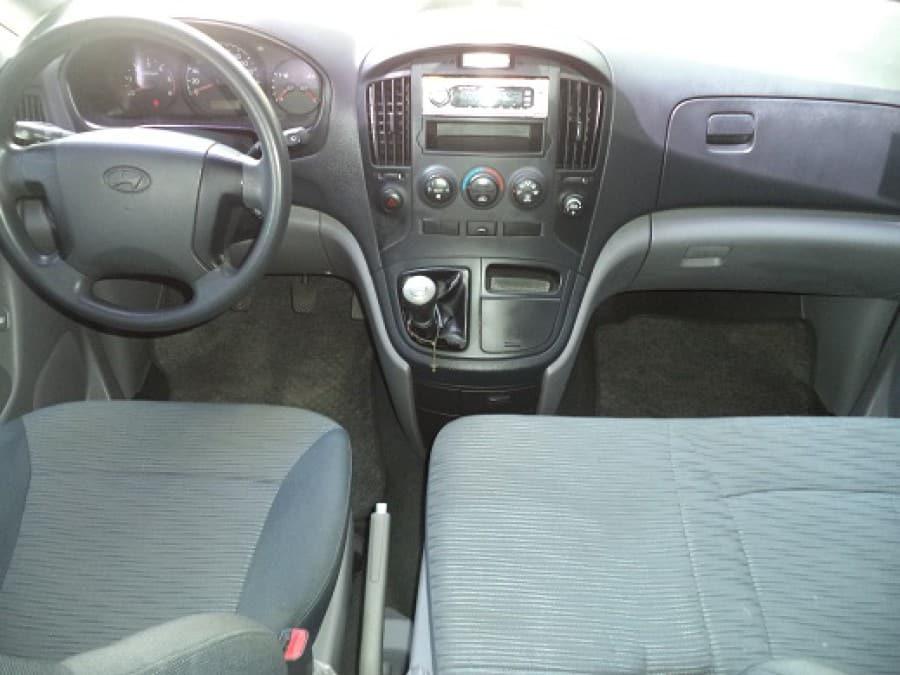 2012 Hyundai Starex - Interior Front View