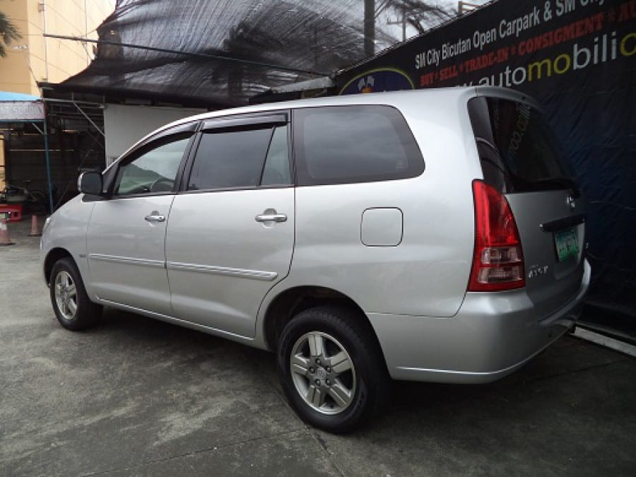 2006 Toyota Innova G - Rear View