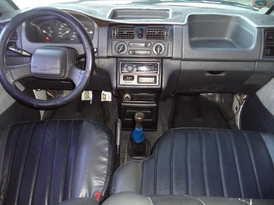 2001 Mitsubishi Adventure - Interior Front View