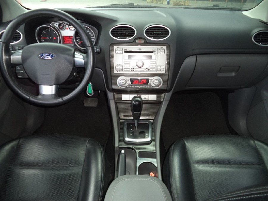 2009 Ford Focus - Interior Front View