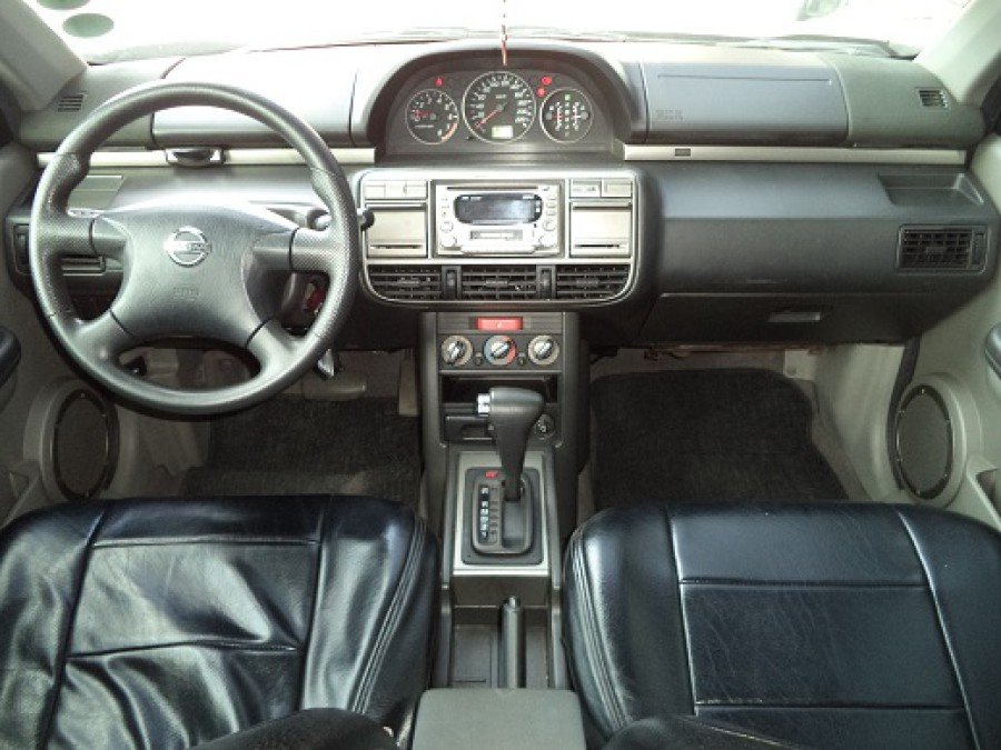2005 Nissan X-Trail - Interior Front View
