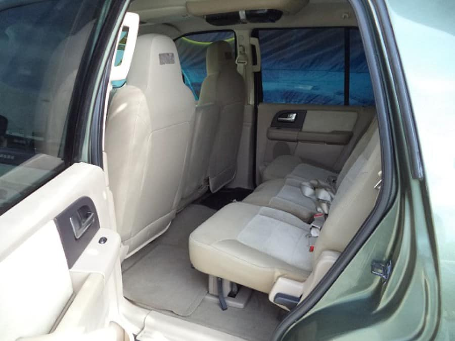 2004 Ford Expedition - Interior Rear View