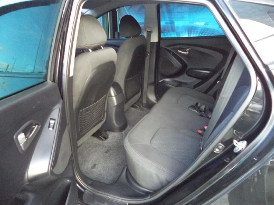 2011 Hyundai Tucson - Interior Rear View