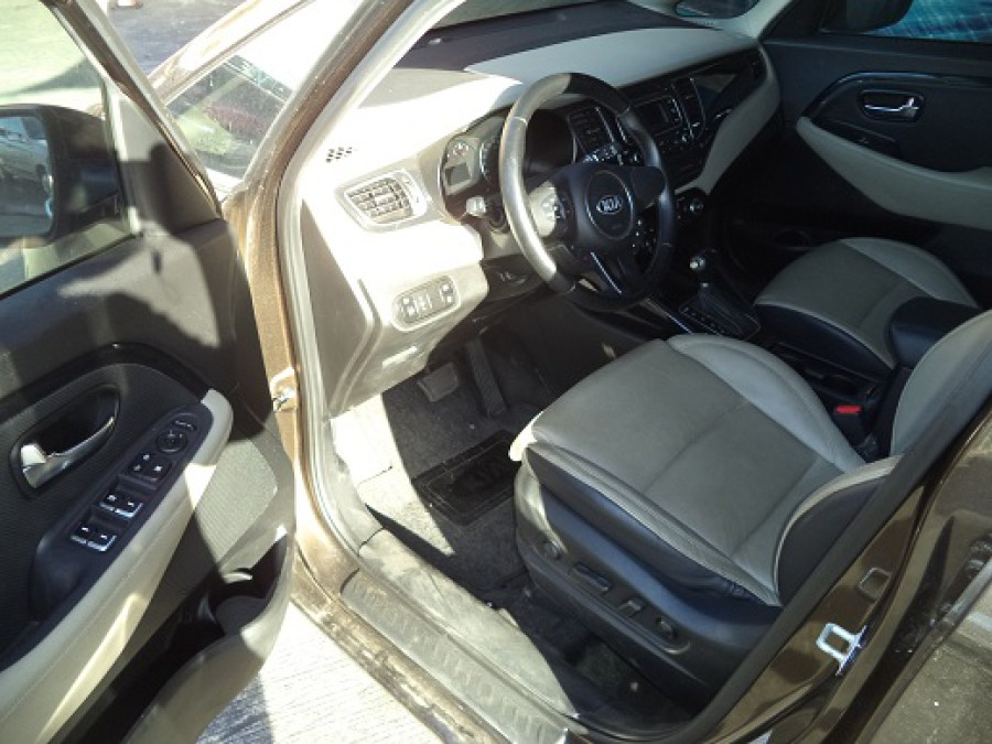 2015 Kia Carens - Interior Front View