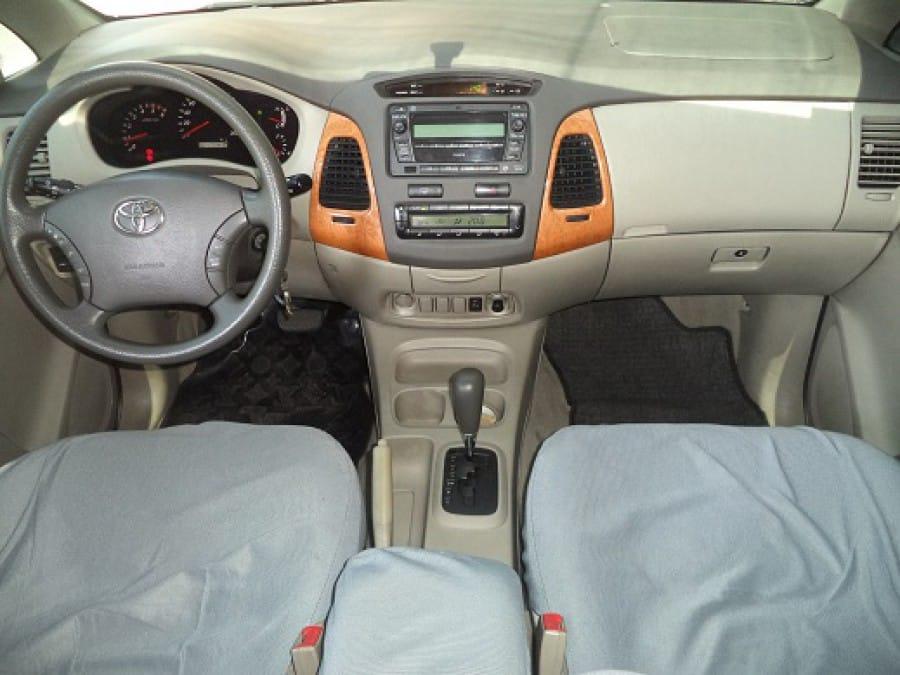2010 Toyota Innova G - Interior Front View