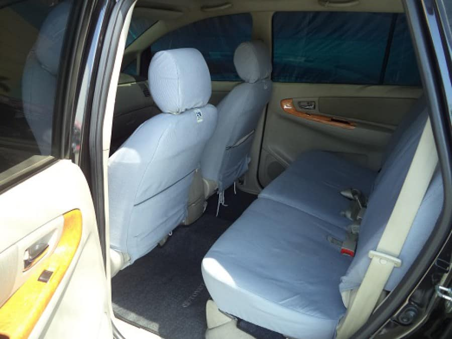 2010 Toyota Innova G - Interior Rear View