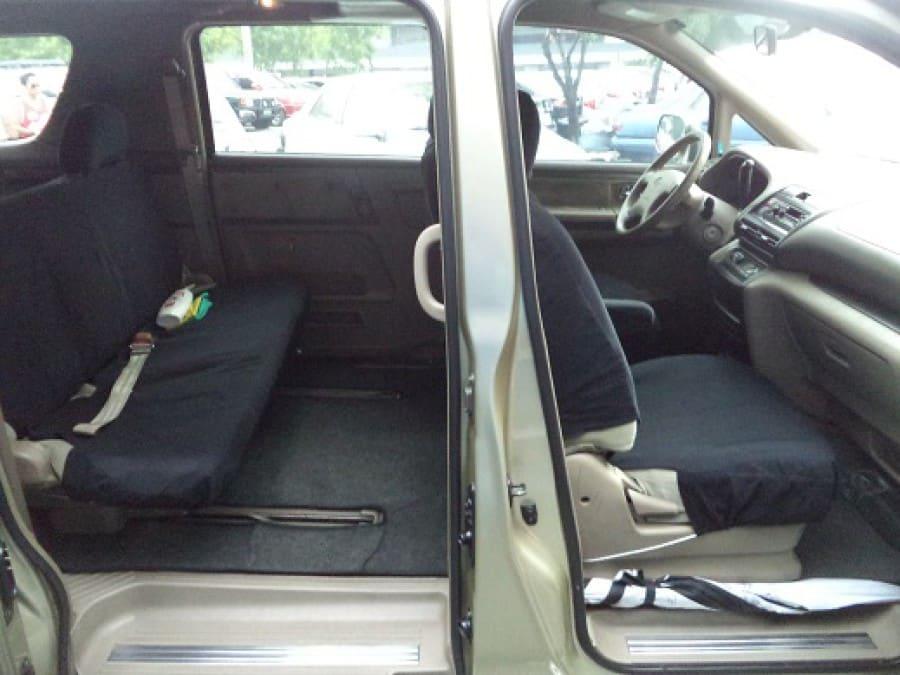 2005 Nissan Serena - Interior Rear View
