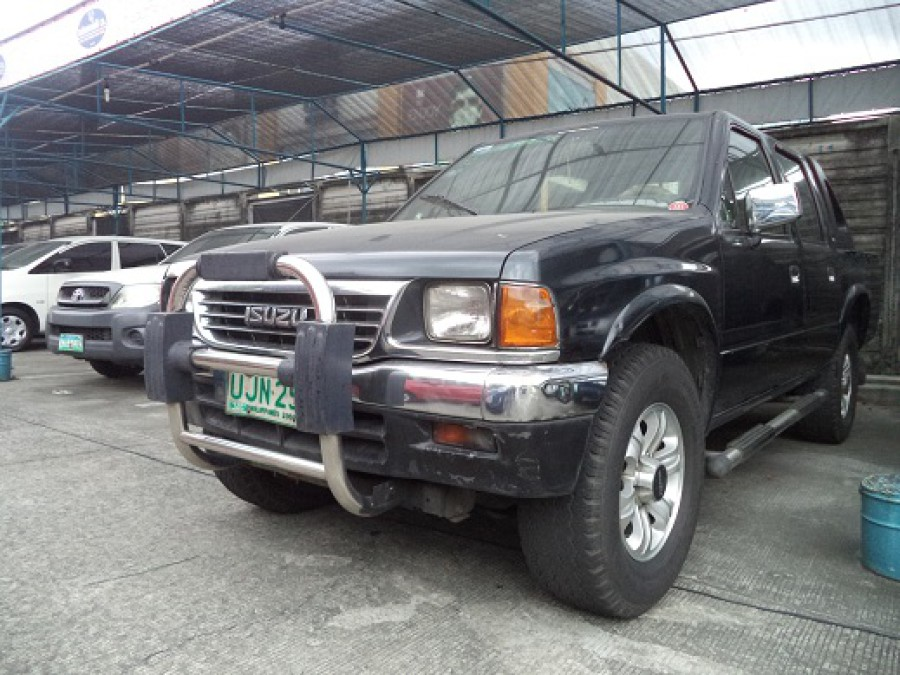1996 Isuzu Pickup - Front View