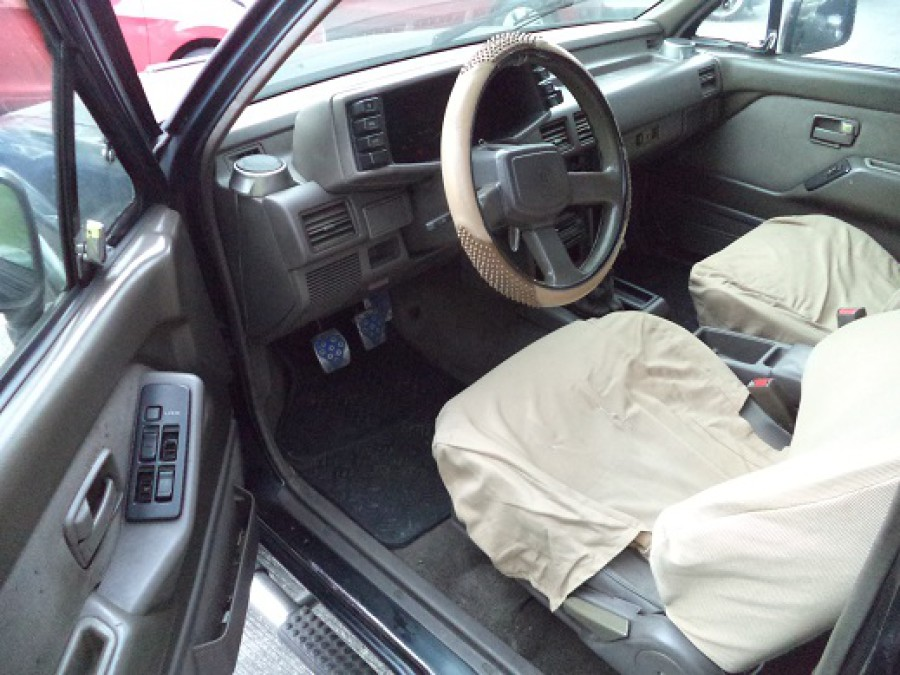 1996 Isuzu Pickup - Interior Front View