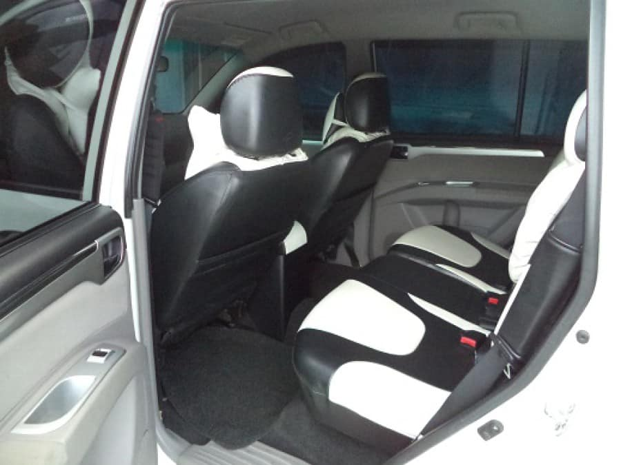 2011 Mitsubishi Montero Sport - Interior Rear View