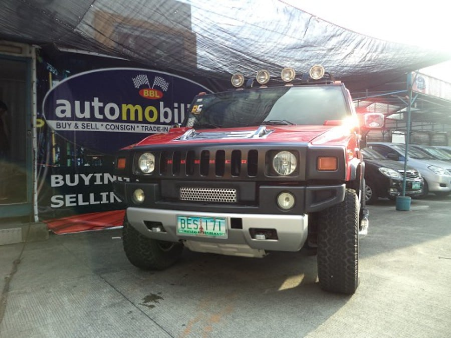 2004 Hummer H2 - Front View