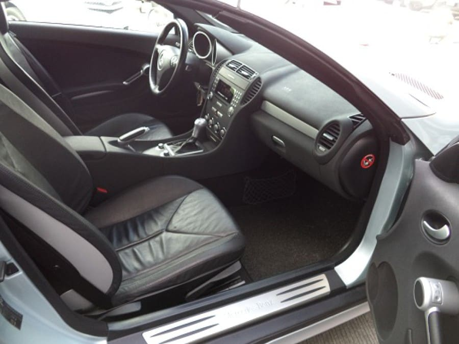 2006 Mercedes-Benz SLK280 - Interior Rear View